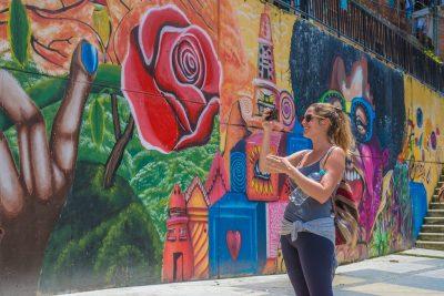 Comuna 13 Medellin Graffiti Tour
